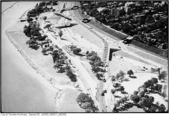 The Gardiner's access to Jameson, Dunn, and Dowling. Image: City of Toronto Archives, Fonds 220, Series 65, File 47.