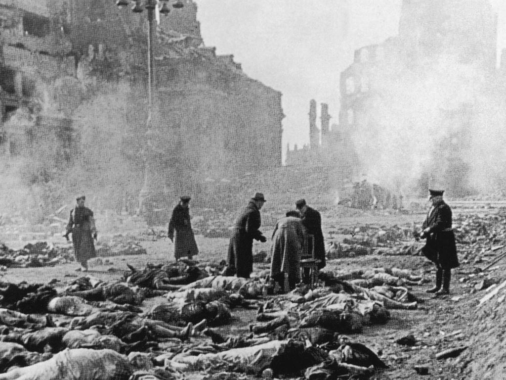 https://i2.wp.com/historynet.com/wp-content/uploads/image/2010/WWII/December/akg_445973_en.jpg