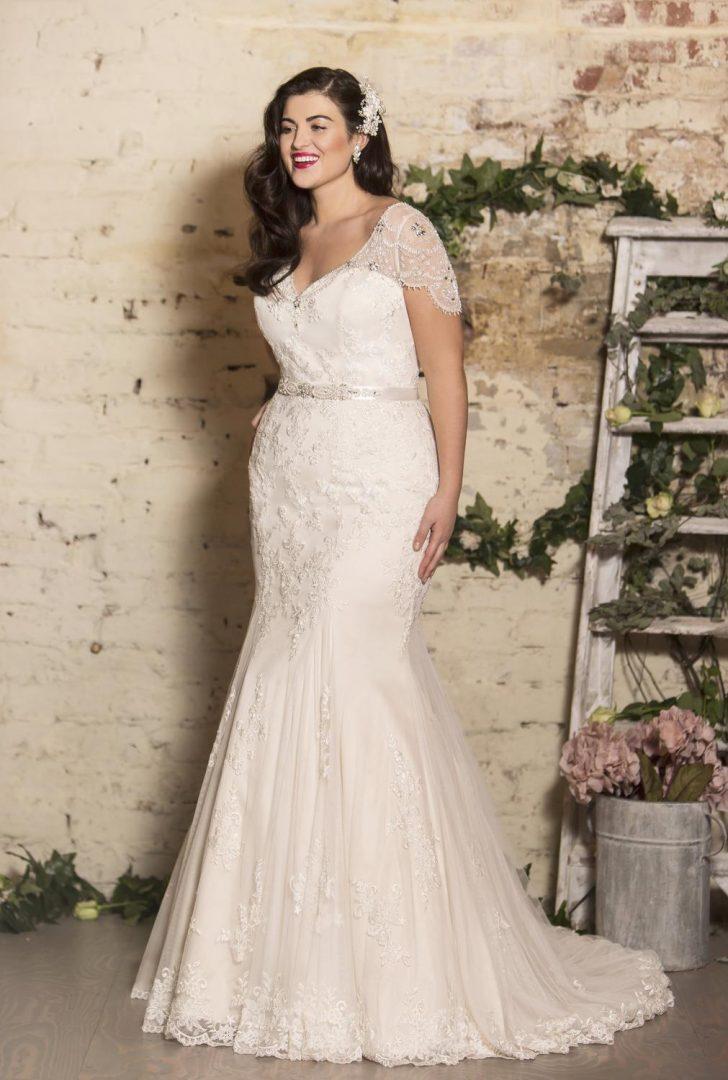 Vintage Curvy Wedding Dresses