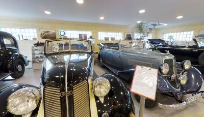 Retro Car Museum 3D Model