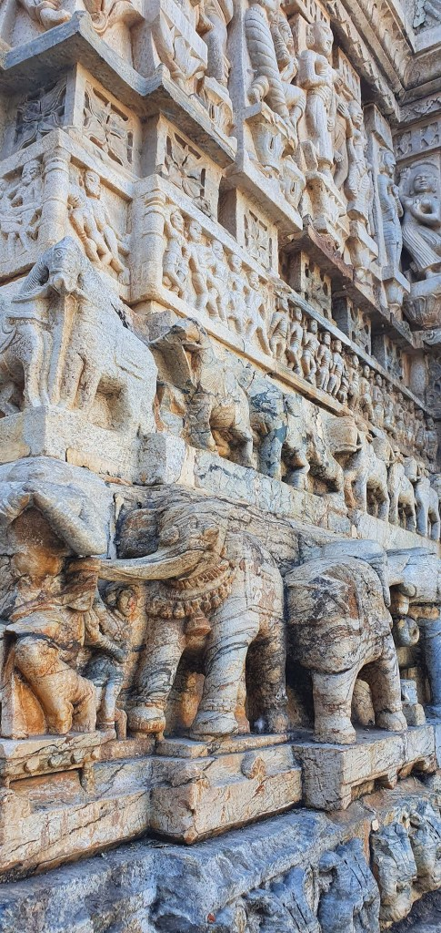 Stone carvings - Jagdish Temple2