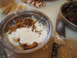 Tintenfisch anbraten, Tintenfisch Rezept, Tintenfisch Gericht, Rezept Tintenfisch, Meeresfrüchte, Küche Panama, Restaurant Panama