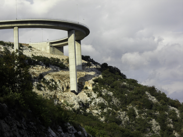 Brücke hinter Rijeka