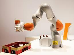 KUKA ロボットアーム