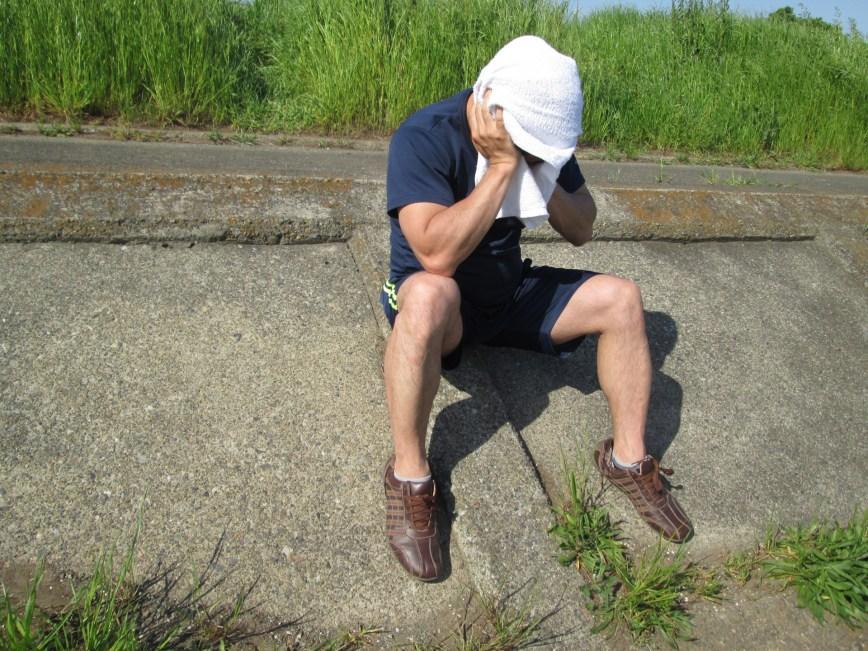 脱水症状の男性