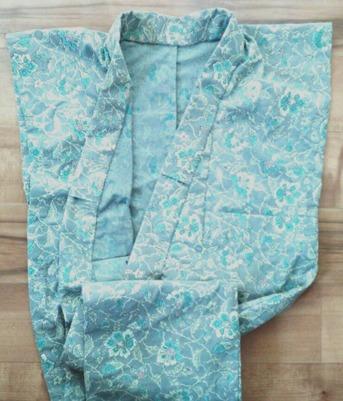 片貝木綿の着物の衿がつきました