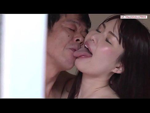 大家と昼間から変態セックスで汗まみれになる三十路熟女妻の姿を覗く夫のひとずまたいしゅう