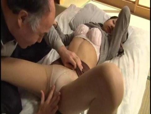 セックスレスで性欲が溜まった田舎の奥様が絶倫義父と性交するひとずまあだ
