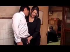 法事の最中に発情してこっそりと夫婦の営みを始める淫らな喪服美人妻のひとずま無料 kyokonn nu-sa