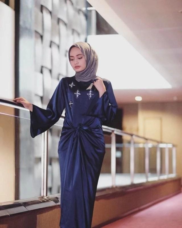 Model Kaftan Hijab Kerut. Image: Hipwee.com
