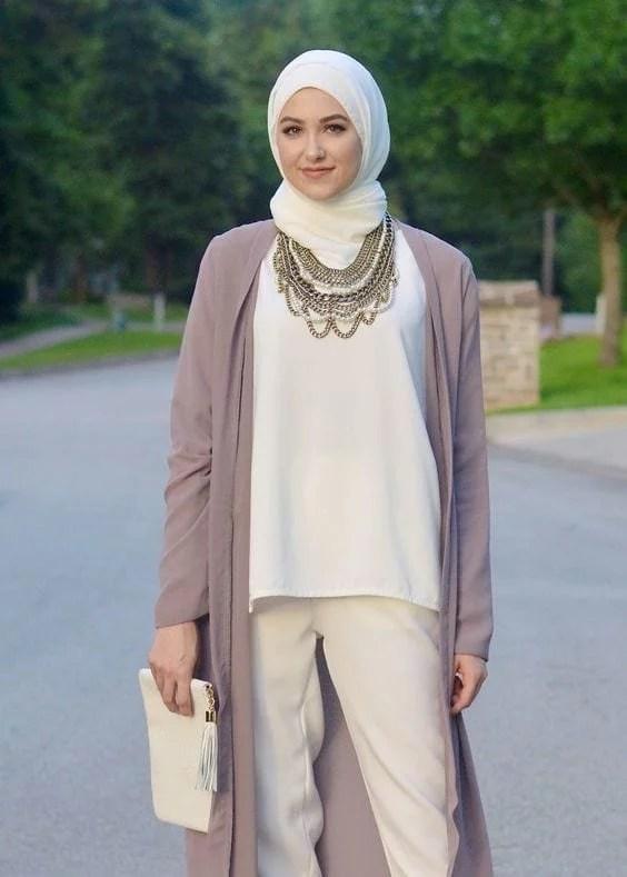 Hijab fashion. Image: outfittrends.com