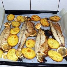 Скумрия с печени картофи