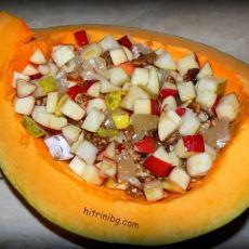 Печена тиква с плодове