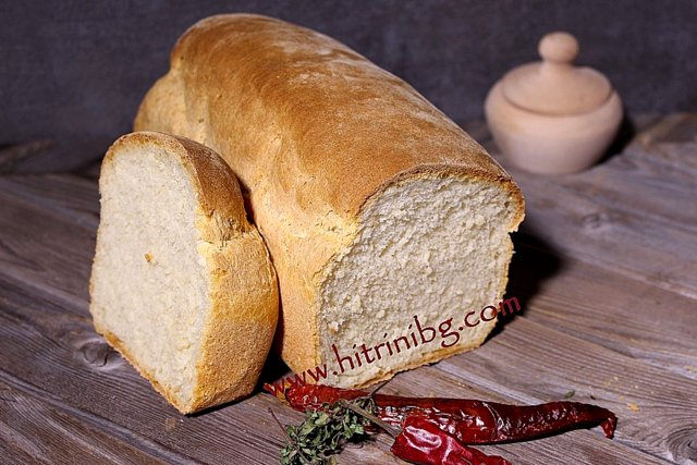 прясно изпечен хляб със суроватка