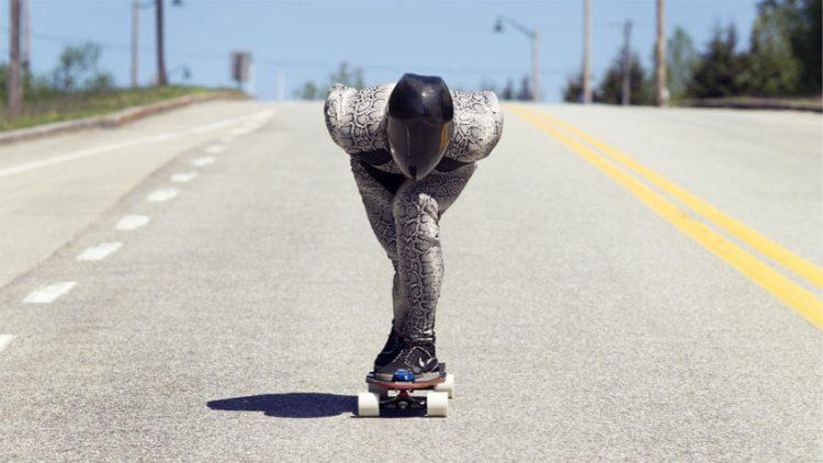 Emil_Sergel_downhill_skateboarding_Foto_Emmanuelle_Daigle_02