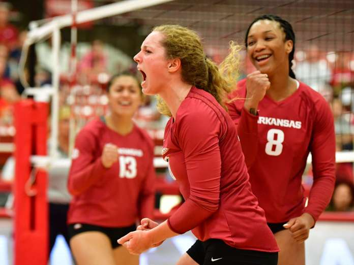 Razorbacks volleyball dominate in pair of wins on opening day