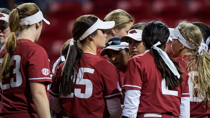 Razorbacks get early runs, but can't hold off Alabama in second game