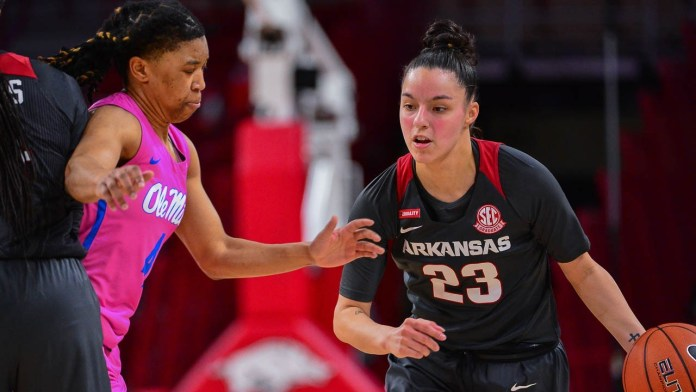 Dungee's 38 points paces Razorbacks past Ole Miss on Friday night