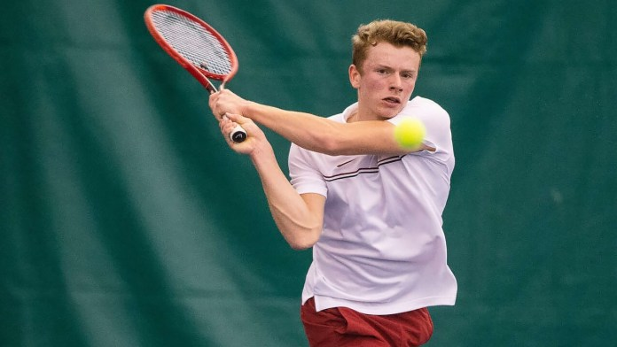 Arkansas falls in long match with four tiebreakers against No. 25 Memphis