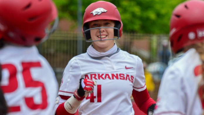 Hogs can't keep early lead, falling to Missouri in series opener