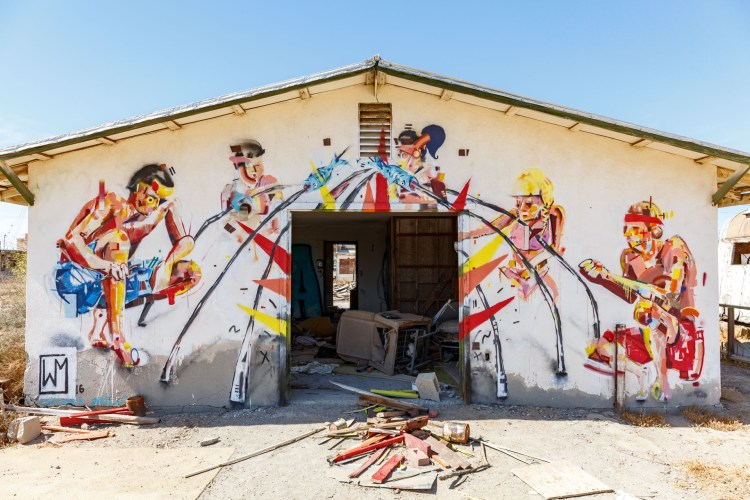 A beautifuly graffitied building in Bombay Beach. Quite artistically done.