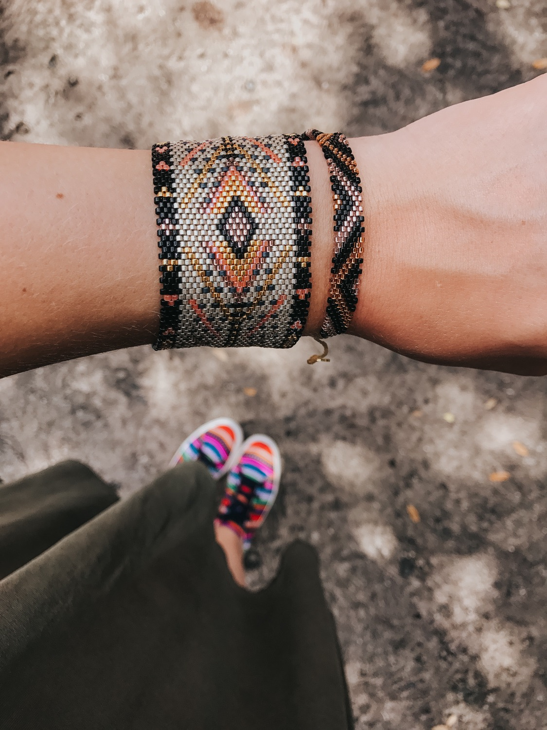 I'm sharing a few simple tips on how to find peace in your life and live with a little less stress every day.   Bracelets from @kutulakiss