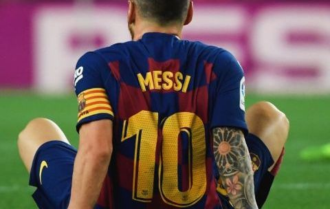 Messi to stay at Barca