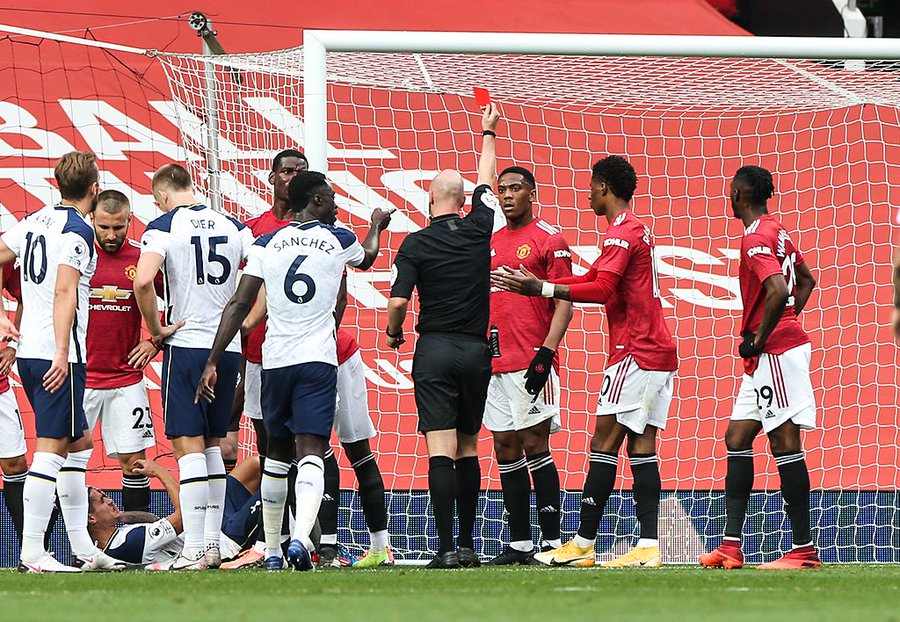 Ref gives Martial red card