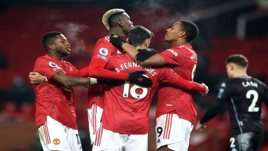 Premier League: Manchester United 2-1 Aston Villa