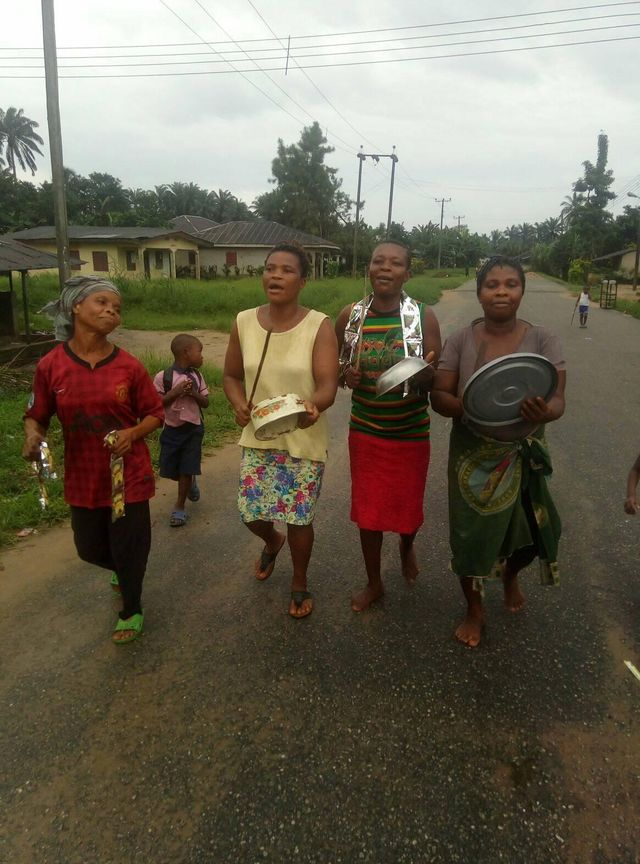 Rivers: Residents celebrate as electricity is restore in Ndoki land in Oyigbo
