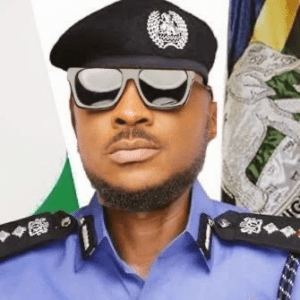 Nigerians hail Peruzzi after he reportedly chased away armed robbers on 3rd Mainland Bridge, Lagos (Video)