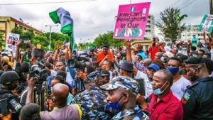 """14 Years In Service, I Still Earn N64k"" – Policeman Applauds #EndSARS Protesters"