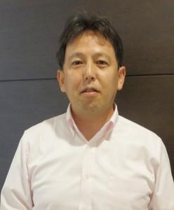 渡辺広明さんは日吉本町在住。会社員と流通評論家を兼業し、現在は複数のメディアで連載記事を執筆するほか、NHKラジオ「すっぴん」のコメンテーター。テレビ出演も多い
