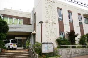 柳田さんが施設長を務める大豆戸地域ケアプラザは2000年9月に開所。菊名駅、新横浜駅、そして大倉山駅と3つの駅をまたがる大変広いエリアを担当している