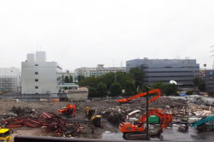 野村総研のデータセンターや損保ジャパン日本興亜の研修施設は、まだそのまま残っている(2016年9月19日、読者提供)