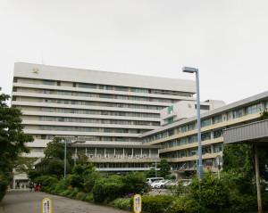 日吉の丘フィル主宰・村松琢麻(たくま)さんは「物心ついた時から」慶應義塾大学病院に通っていたという。現在、慶大医学部に在学しているのも、当時からの想い出がおそらく背景にあるからだという