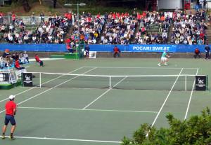 2015年11月に開かれた第7回「慶應チャレンジャー国際テニストーナメント」の様子