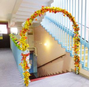 日吉台西中の生徒が、職業体験でこの「日吉文化祭」用のリースを作成したとのこと