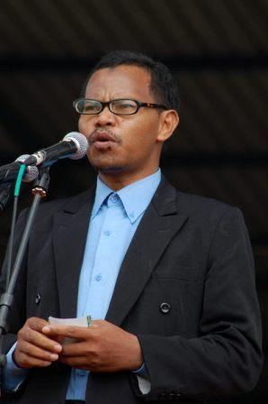 Ali Imron, S.Pd - DPD II HTI Banjarbaru - Khilafah sebagai Solusi