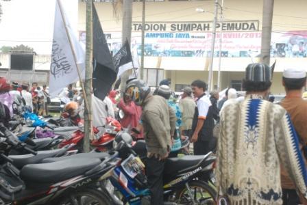 Para Peserta KR Lampung yang masih menumpuk di luar