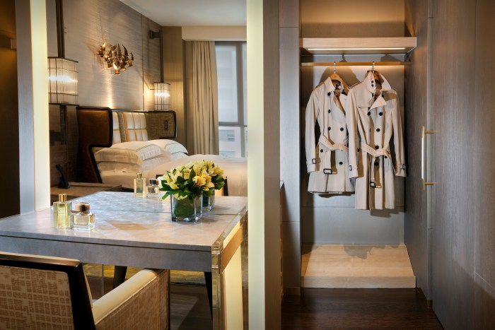 Landmark Mandarin Oriental launches first in Asia Burberry Heritage Trench Coat Suite experience.h