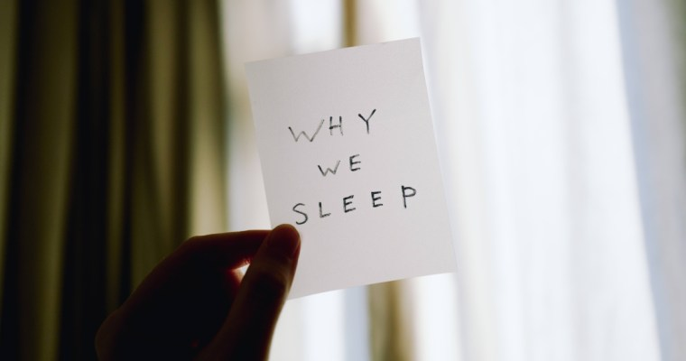 告別「睡前拖延」.身心靈的三個練習 | Charlotte In White 林偉欣