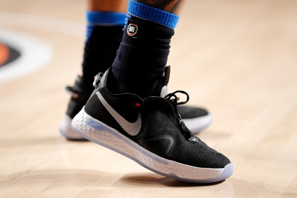 Nike上季收入勝預期 股價盤後急升14%|即時新聞|財經|on.cc東網