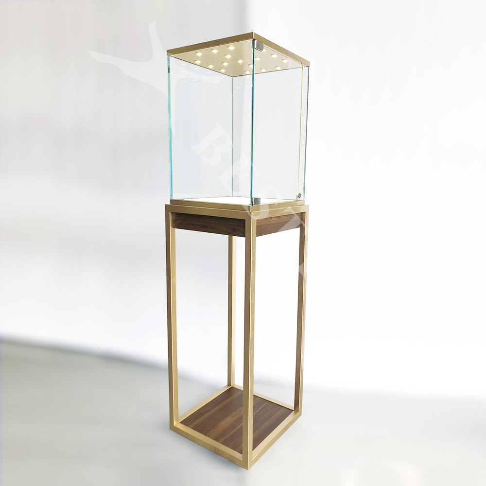 Tower Display Case with Lock   Besty Display
