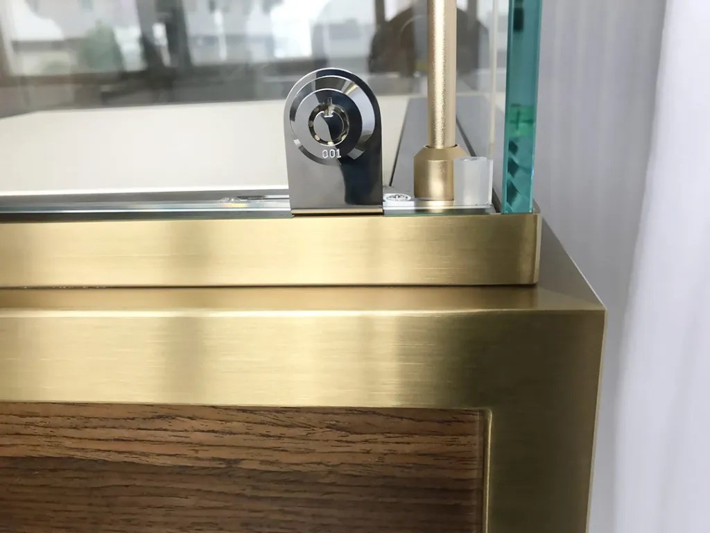 Lockable of the Glass Cube   Besty Display