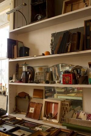 Shelf Storage-Hirona's home Studio