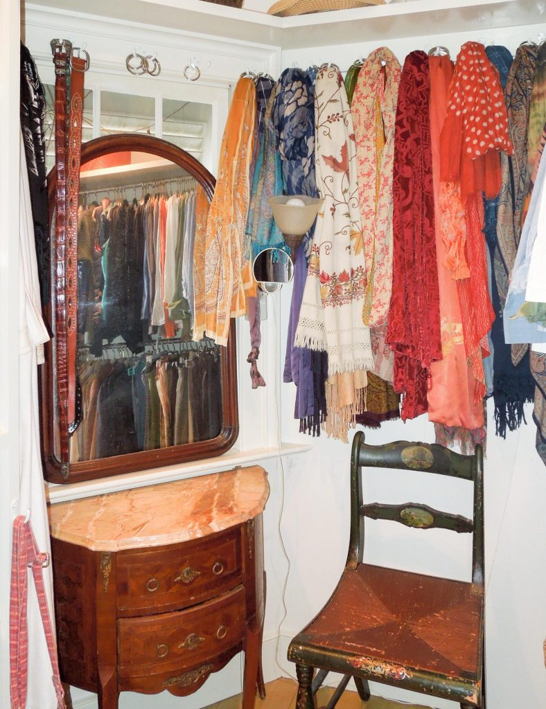 8 Steps to Closet Clean Out