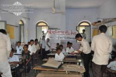 kolavada-school-pen-distribution-swaminarayan-temple-8