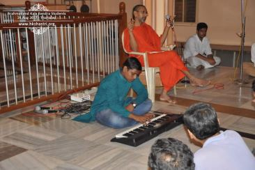 brahmanand-kala-kendra-students-music-performance-1