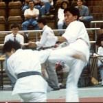 梁伯偉師傅在進行Sensei Patrick P. W. Leung, in a kumite competition男子搏擊比賽